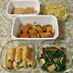 常備菜 : 鶏そぼろ・豆もやし炒め・鶏南蛮・ほうれん草と豆もやしの豚肉巻き・ほうれん草と椎茸と豚肉の炒めもの
