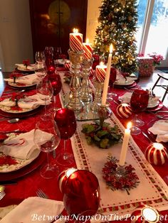 A Candy Cane Table Setting for Christmas and the Winter Holidays – Between Naps on the Porch Christmas Dining Table, Christmas Table Settings, Holiday Tables, Red Table Settings, Christmas Tabletop, Christmas Candles, Gold Christmas Decorations, Christmas Tablescapes, Christmas Tree Themes