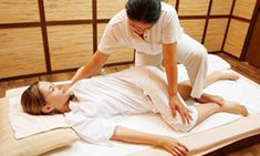 Tips You Can Use When It Comes To Massage. Do you need help with massage techniques? Do you know all about massage? If you don't, then just take some time to keep reading to learn a few things. Thai Yoga Massage, Massage Girl, Good Massage, Face Massage, Spa Massage, Massage Therapy, Massage Chair, Deep Massage, Ayurveda