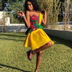 Antherline Couture (@antherline) • Instagram photos and videos African Wear, Strapless Dress, Couture, Photo And Video, Videos, Photos, How To Wear, Instagram, Dresses