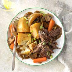 Teriyaki Beef Roast Slow Cooking, Slow Cooker Recipes, Cooking Recipes, Crockpot Recipes, Crockpot Dishes, Game Recipes, Chicken Recipes, Roast Beef With Vegetables, Chuck Roast Recipes