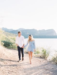 Saguaro Lake Engagement – Cody & Cam - Arizona engagements - Phoenix engagement photographer - Scottsdale wedding photographer - Phoenix engagement locations - desert engagement ideas - engagement photos outfits - engagement pics - what to wear to an engagement shoot