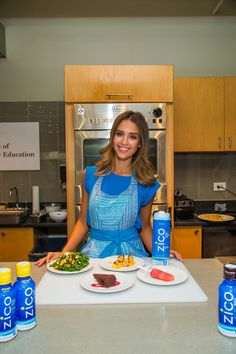 What Jessica Alba Eats That You Don't (But Really Should!)