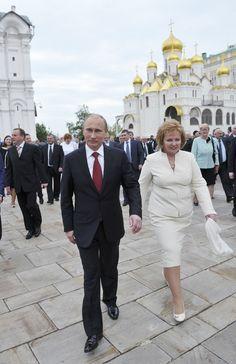 Владимир Путин развелся со своей супругой после 30 лет брака. #vestiua #Russia #Putin #marriage