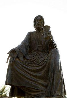 A statue of the poet Abu Nawas  Iraq ... Baghdad  Photography  Rasoul Ali تمثال الشاعر ابو نؤاس العراق ... بغداد تصوير رسول علي