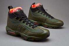 timeless design ee139 02cec Nike Sportswear Air Max 95 Sneakerboot - Dark Loden   Black   Cargo Khaki   Bright  Crimson