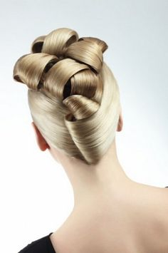 An intricate hair style for a #bridal look. Image via My Life is Brilliant.