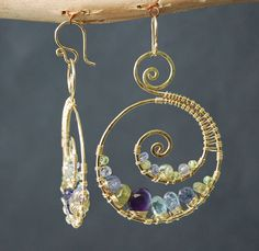 Luxe Bijoux 73 Hammered swirl shapes with por CalicoJunoJewelry