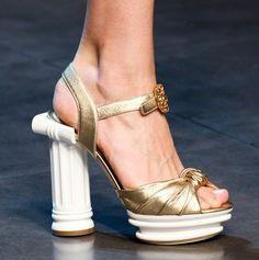 Да Разчупиш Леда със Страхотни Обувки