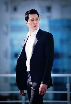 Korean actor So Ji-sub