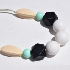 Mama & Little | 100% food-grade silicone teething necklace- Audrey