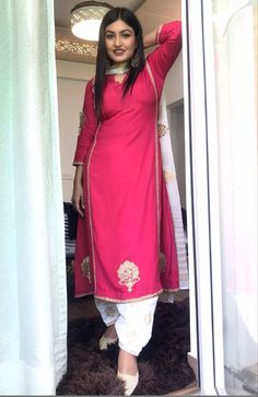 Designer Punjabi Suits Patiala, Patiala Suit Designs, Indian Designer Suits, Kurta Designs, Salwar Suits, Casual Indian Fashion, Punjabi Fashion, Indian Outfits, Embroidery Suits Punjabi