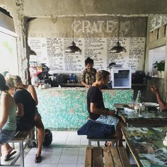 Expect hipster, surfer vibes at this Australian-inspired cafe on the main street in Canggu. Cafe Interior, Shop Interior Design, Cafe Design, Store Design, Restaurant Concept, Cafe Restaurant, Restaurant Design, Bbq Shop, Coffee Shop Aesthetic