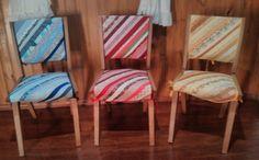 Capa para cadeiras em scraps de tecido de algodão. forradas e entremeadas com manta acrílica.