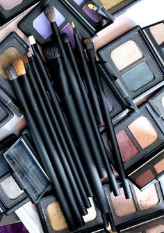 The NARS Artistry Eye and Lip Brushes