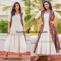 Sruthi Hariharan in Turquoise Design Studio white dress and kalamkari long jacket for Taarak promotions Simple Kurta Designs, Stylish Dress Designs, Kurta Designs Women, Designs For Dresses, Churidar Designs, Stylish Dresses, Kalamkari Blouse Designs, Designer Party Wear Dresses, Kurti Designs Party Wear