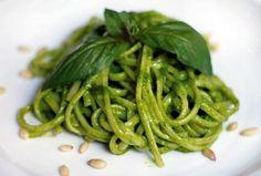 Linguine s rukolovm pestem Linguine, Restaurant Guide, Pesto, Green Beans, Vegetables, Food, Essen, Vegetable Recipes, Meals