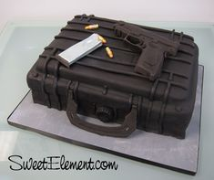 Google Image Result for http://sweetelement.files.wordpress.com/2011/11/gun_guncase_grooms_cake.jpg%3Fw%3D500