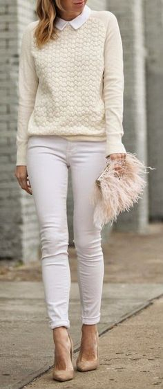 WINTER WHITES - Cream Scallop Stitch Sweater with White Skinny Jeans and Anouk Suede Pumps / Brooklyn Blonde (skip the white jeans and furry purse though) Jean Outfits, Fall Outfits, Casual Outfits, Fashion Outfits, Fashion Trends, Outfit Jeans, Winter 2018 Fashion, Autumn Winter Fashion, Fashion Spring