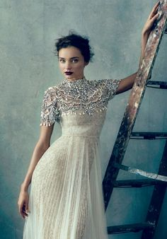 Soo good with a Jennifer Behr Primrose Bobbypin::Miranda Kerr For Marchesa :: wedding dress :: bridal :: bride :: inspiration :: detail :: embroidery :: overlay :: crystal :: ivory :: lace :: Miranda Kerr, Modest Wedding Dresses, Wedding Gowns, Party Dresses, Bridal Gowns, Festa Party, Glamour, Carrie Bradshaw, Looks Style