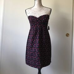 $10 DealsVolcom Frochickie Mini Dress Black with pink and red floral print tube dress. Comes with optional straps. 97% Cotton 3% Elastane Sz 7 Absolutely adorable! Bundle and save! Thank you for looking! Volcom Dresses Mini