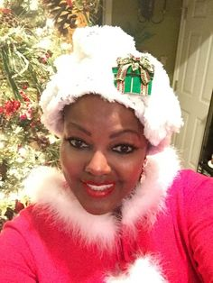 Christmas rap hat with a brooch