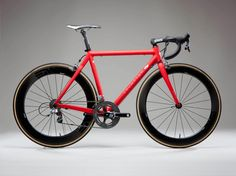 Gorgeous frame complemented with Enve wheels and tanwall tires.