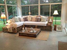 superbe canapé en palette, table en palette joli décor esthétique, naturel pour votre intérieur