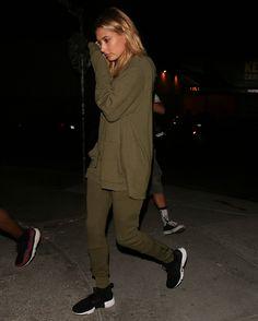 August 17: [HQs] Hailey Baldwin seen leaving Swingers diner in West Hollywood, CA