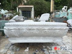 Buddha's lotus base in white marble.  Pls contact danang.marble@gmail.com or danangmarble.com.vn for order or more information.