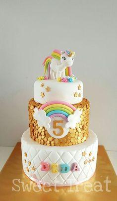 Resultado de imagem para unicorn cake