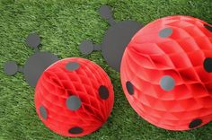 Ladybug themed birthday party! Easy to make #DIY decorations