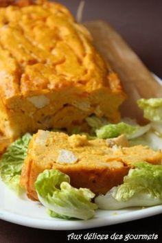 Pour changer un peu je vous propose un pudding  simple à réaliser, à  base de carottes,  de poulet et d'épices.  Parfait pour être servi...