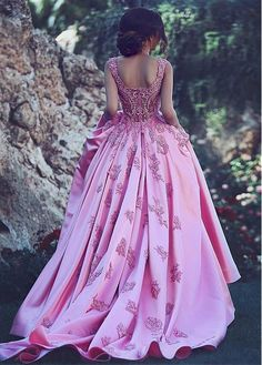 Buy discount Glamorous Satin Scoop Neckline Ball Gown Formal Dresses With Lace Appliques at Dressilyme.com