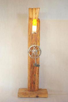 Lampa z Moskwiczem :) w Art Wood Kawkowo na DaWanda.com Sconces, Wall Lights, Lighting, Diy, Home Decor, Chandeliers, Appliques, Decoration Home, Bricolage
