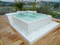 Jacuzzi en terraza del dormitorio principal, encarado al mar y escondido