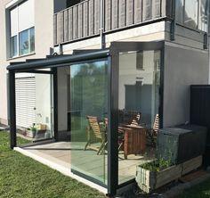 seitlicher windschutz mit berdachung f r terrasse balkon balkonverglasung. Black Bedroom Furniture Sets. Home Design Ideas