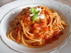 Kucharka w baletkach: Spaghetti z pomidorami i mozzarella
