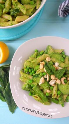 One-Pot Pesto Asparagus Pasta with Zucchini and Peas!