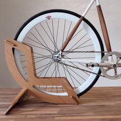 42 Super Ideas For Fixie Bike Ideas Design Garage Pvc Bike Racks, Diy Bike Rack, Bike Hanger, Bike Storage Home, Bike Storage Rack, Bike Stand Diy, New Dirt Bikes, Range Velo, Wood Bike