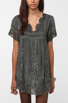 Boho... Hazel Embroidered Blouse - Urban Outfitters
