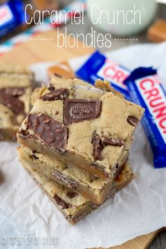 Caramel Crunch Blondies | crazyforcrust.com