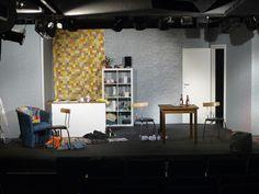 """Bühnenbild von """"Haus, Frauen, Sex"""""""