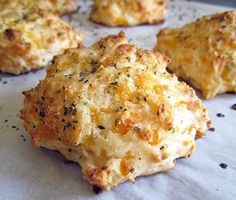 Homemade Red Lobster Biscuits // THE HOLY GRAIL IS WHAT I JUST FOUND
