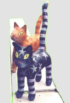 Cats and Pills – Tablets Paper Mache Projects, Paper Mache Crafts, Art Projects, Diy Paper, Paper Art, Paper Mache Animals, Paper Mache Sculpture, Paperclay, Decoupage