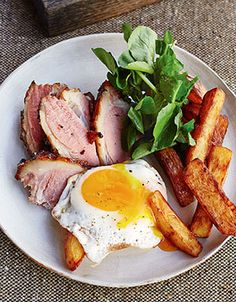 Jerk ham, egg & chips