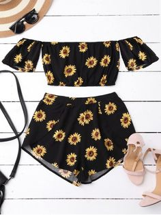 AD : Off Shoulder Crop Top and Sunflower Shorts - BLACK M Style: Streetwear Material: Cotton,Polyester Fit Type: Regular Waist Type: Mid Closure Type: Zipper Fly Front Style: Pleated Pattern Type: Floral Weight: 0.2000kg Package: 1 x Top 1 x Shorts