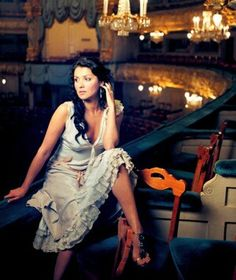 Richard Strauss - Four Last Songs - Anna Netrebko Gorgeous Women, Beautiful People, Richard Strauss, Opera Singers, Celebrity Portraits, Love Her Style, Classical Music, Musical, Art Music