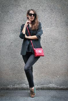 Tatiana Biggi - Tati loves pearls - outfit inverno - outfit autunno - total black fashion blogger