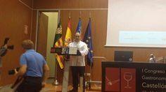 Miguel Barrera  Restaurante Cal Paradis, dedicando unas palabras a los oyentes y explicando la importancia de éste primer congreso